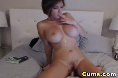 Hot babe playing with dildo and squirt.